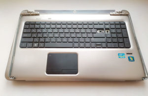 Ремонт ноутбуков: замена петель